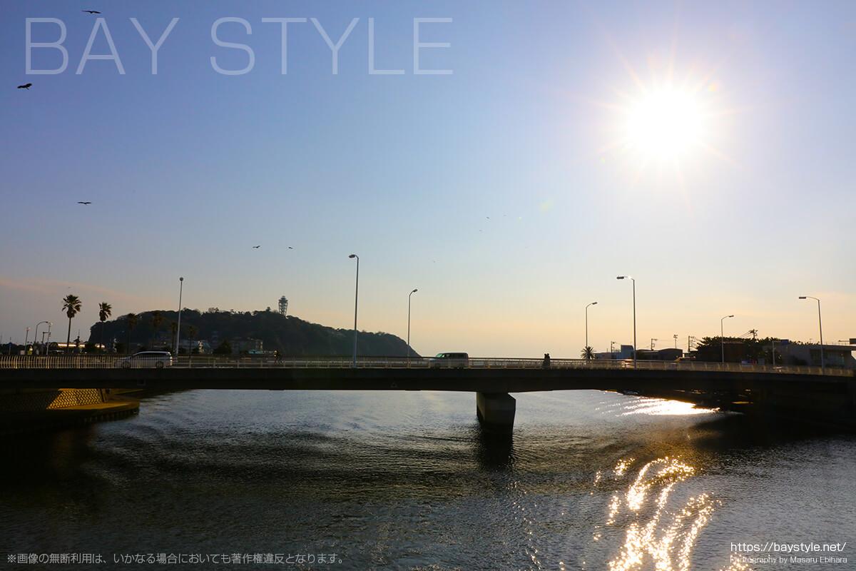 片瀬西浜海水浴場へと向う片瀬橋