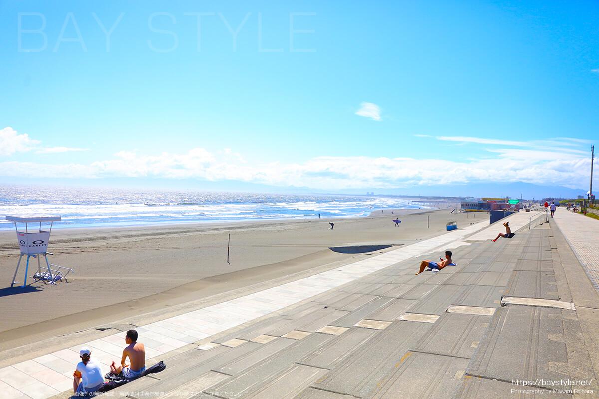 片瀬西浜海水浴場から鵠沼海岸へ続く砂浜