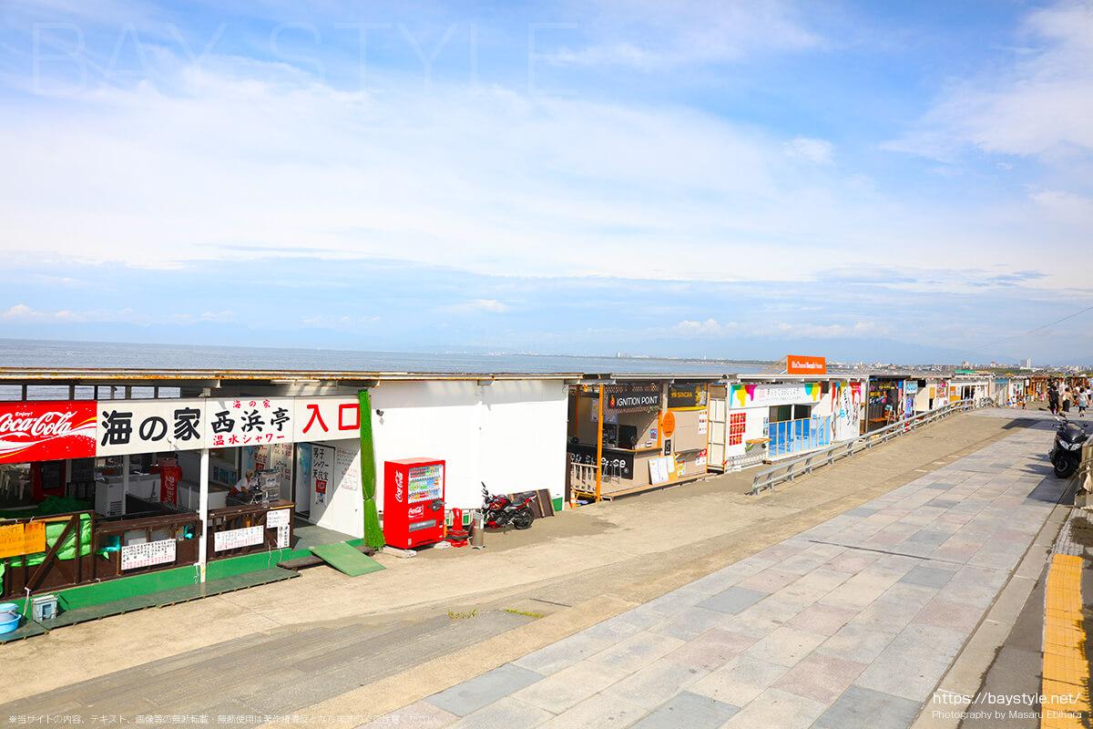 片瀬西浜の海の家