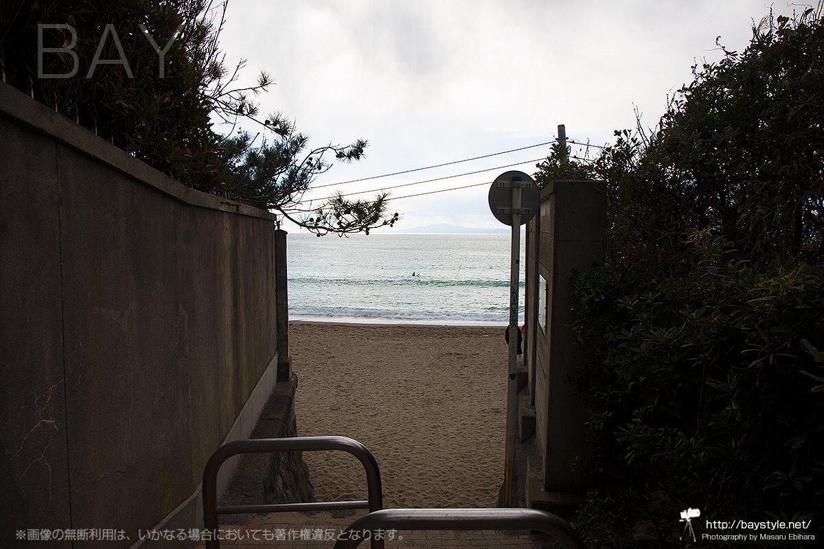 バス停から一色海岸へのアクセス方法
