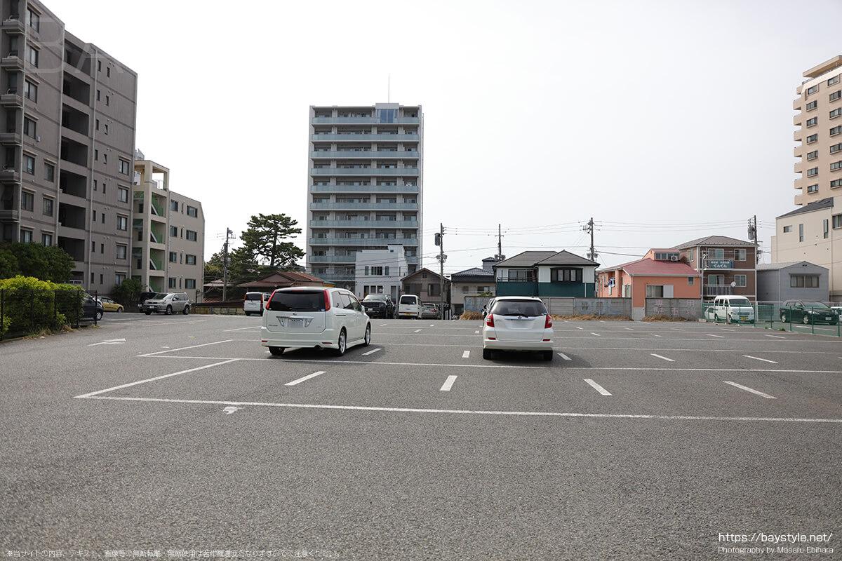 セントラルモータープール駐車場