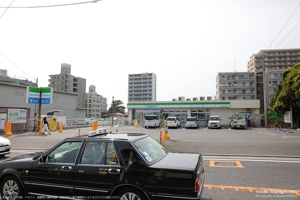 タイムズファミリーマート松山湘南江ノ島店駐車場