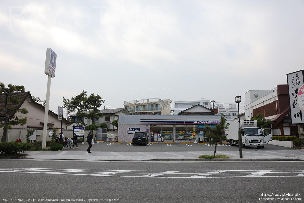 ローソン・スリーエフ 鎌倉由比ガ浜店駐車場