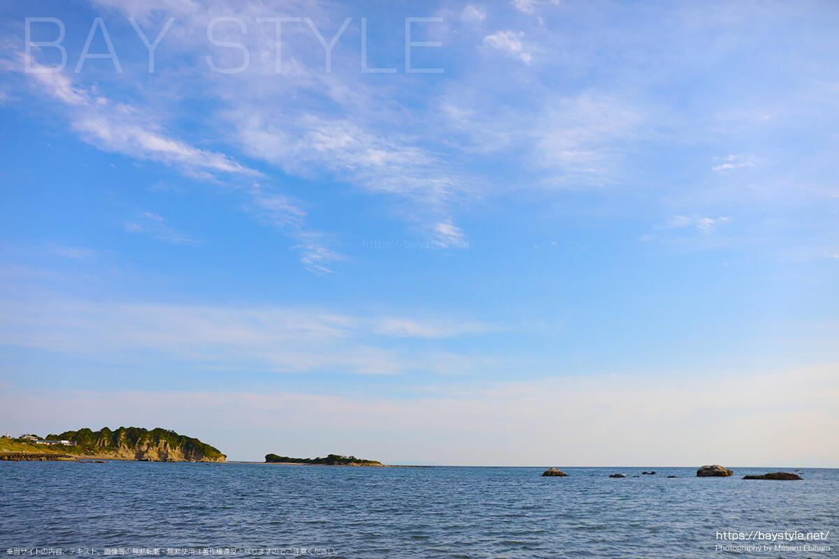 大浜海岸の目の前に広がる相模湾