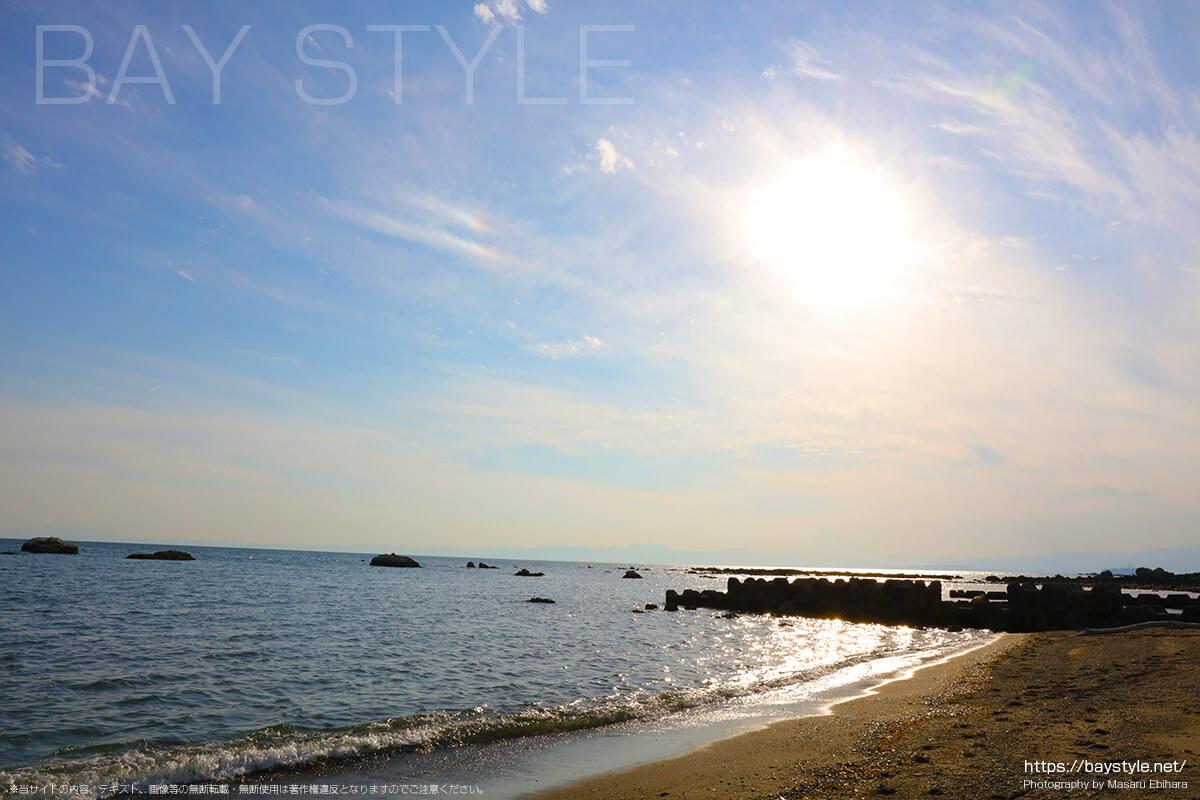 大浜海岸から、一色海水浴場方面を眺めた景色
