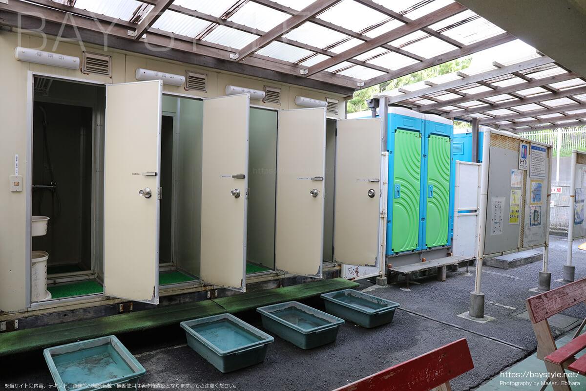 西部駐車場温水シャワーとトイレ