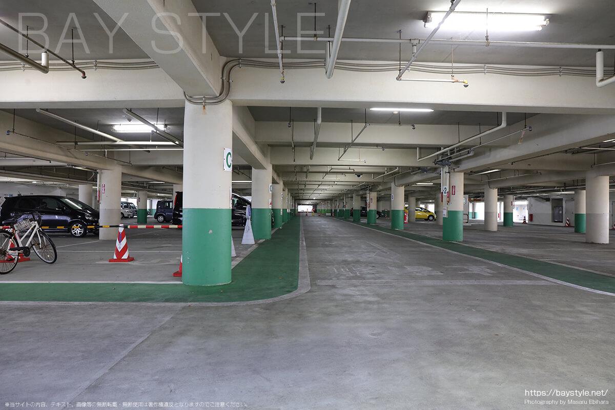 西部駐車場