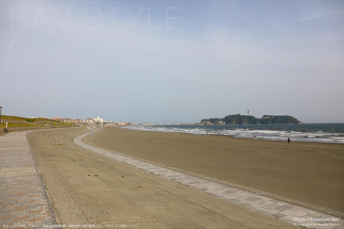 湘南海岸公園サーフビレッジから撮影した江ノ島