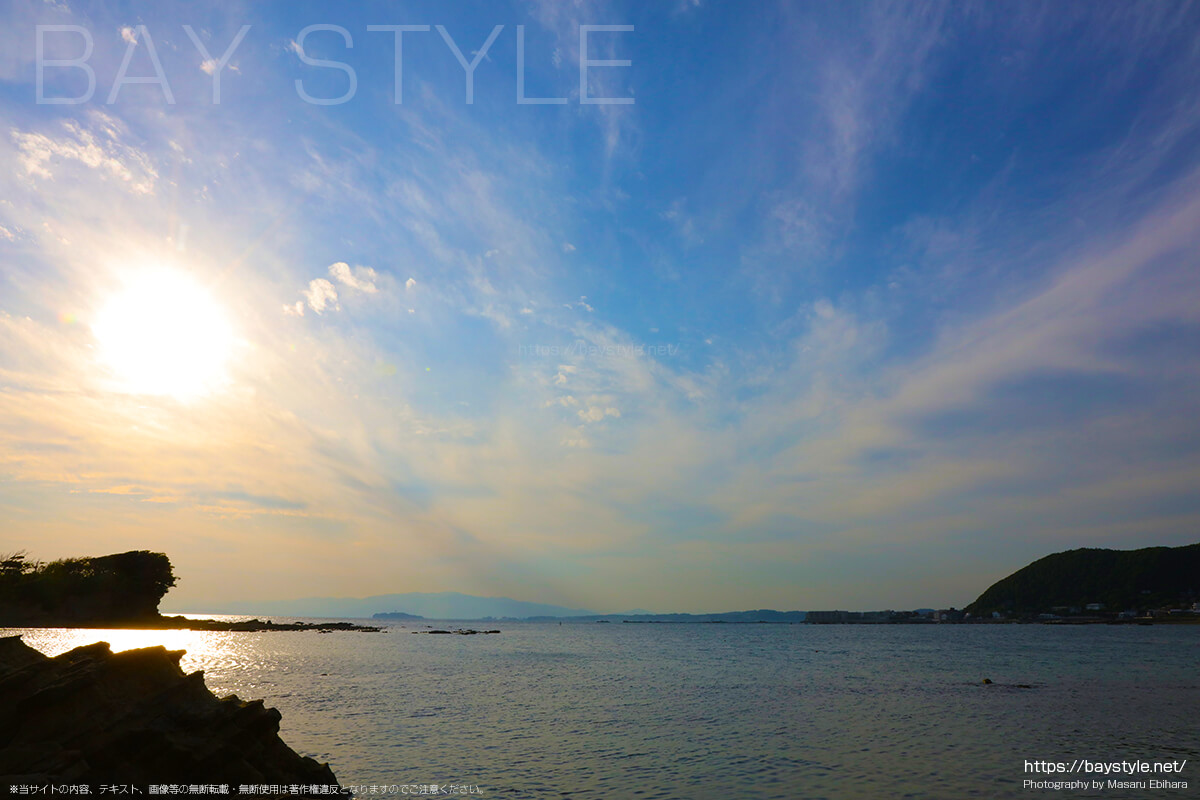 長者ヶ崎海水浴場の目の前に広がる相模湾