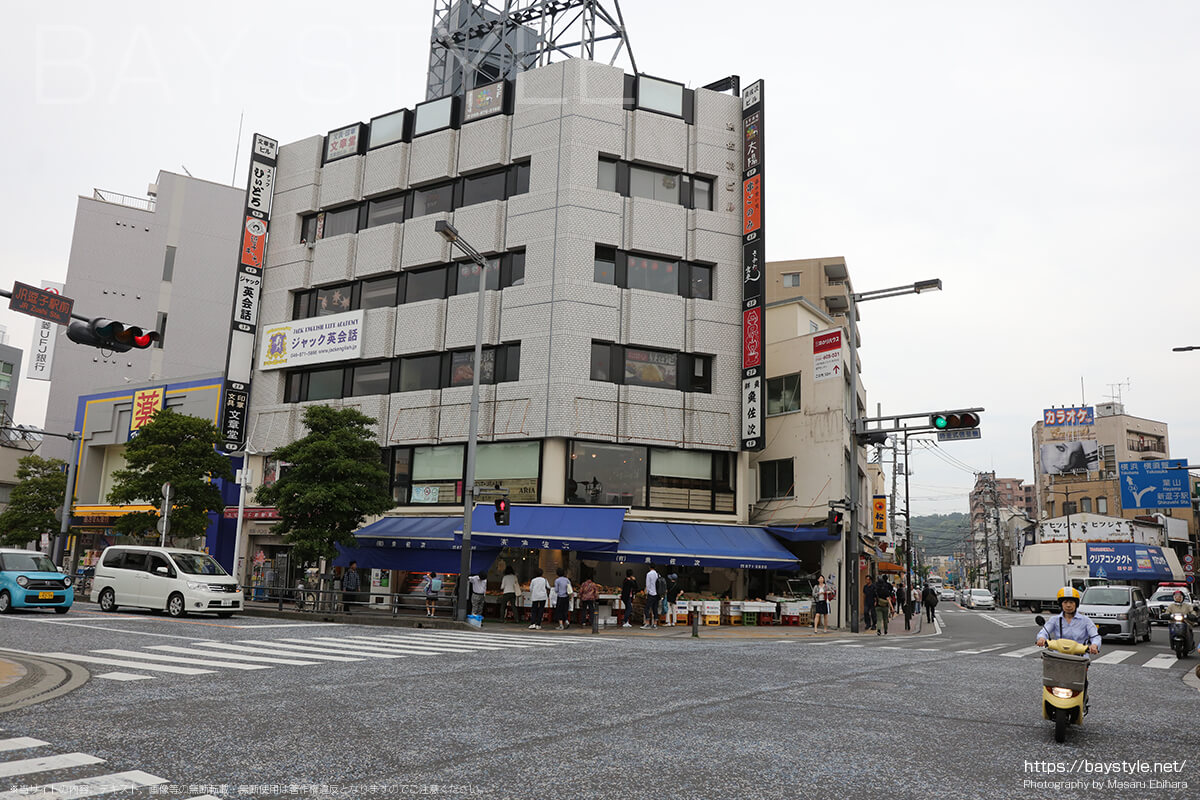 JR逗子駅前の交差点