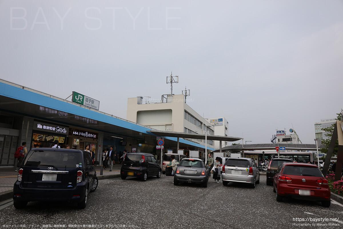 逗子駅東口改札を出て右側にあるコインロッカー