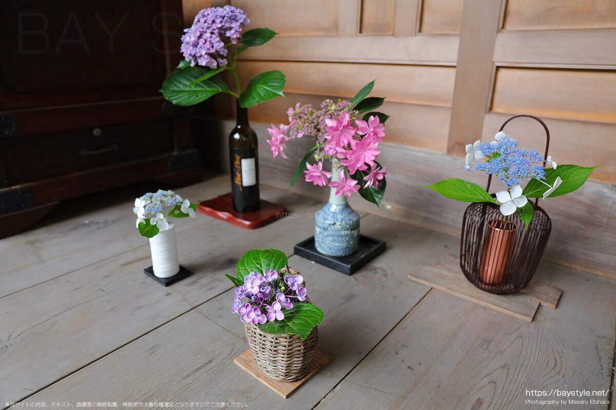 本堂前に飾られた花瓶