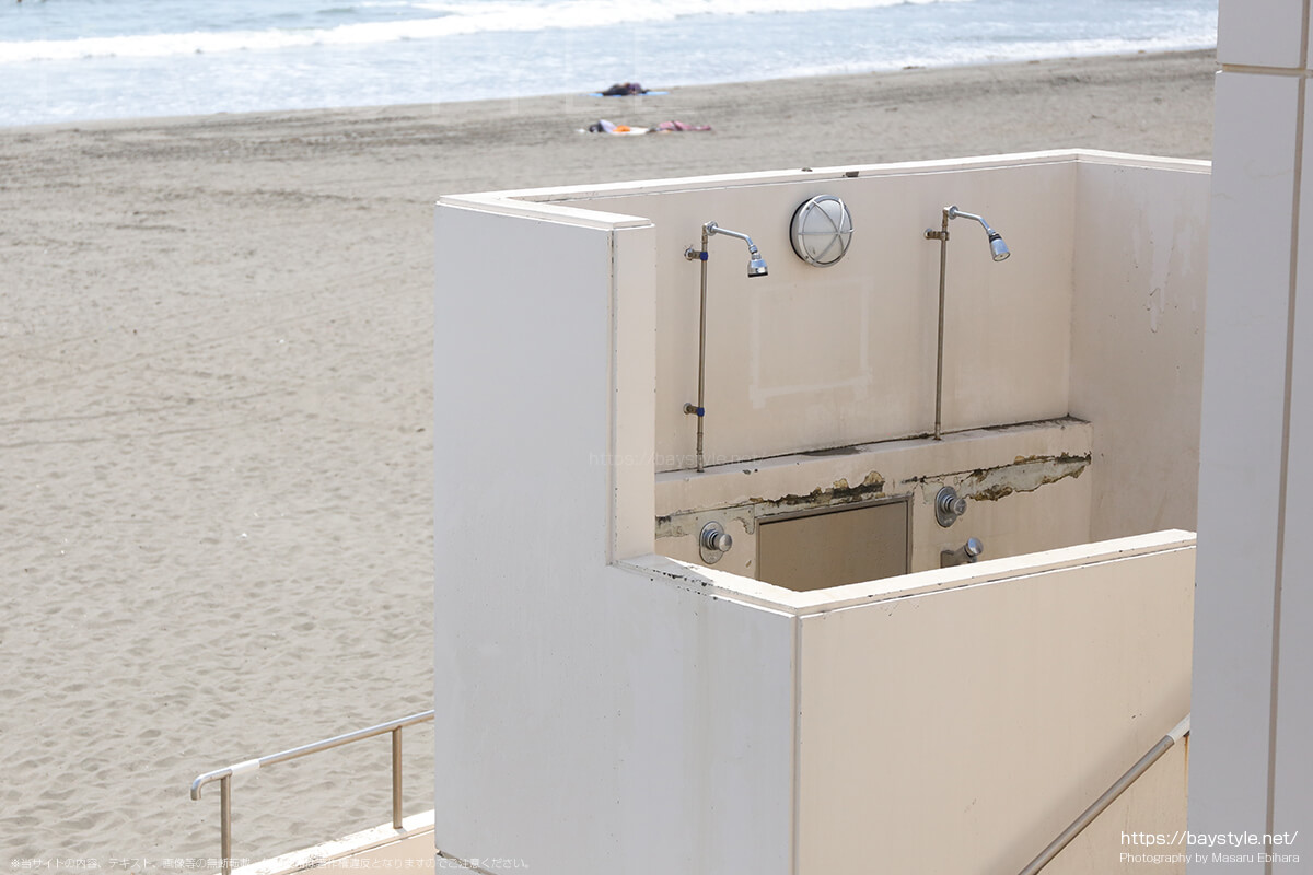 トイレに設置された無料のシャワー