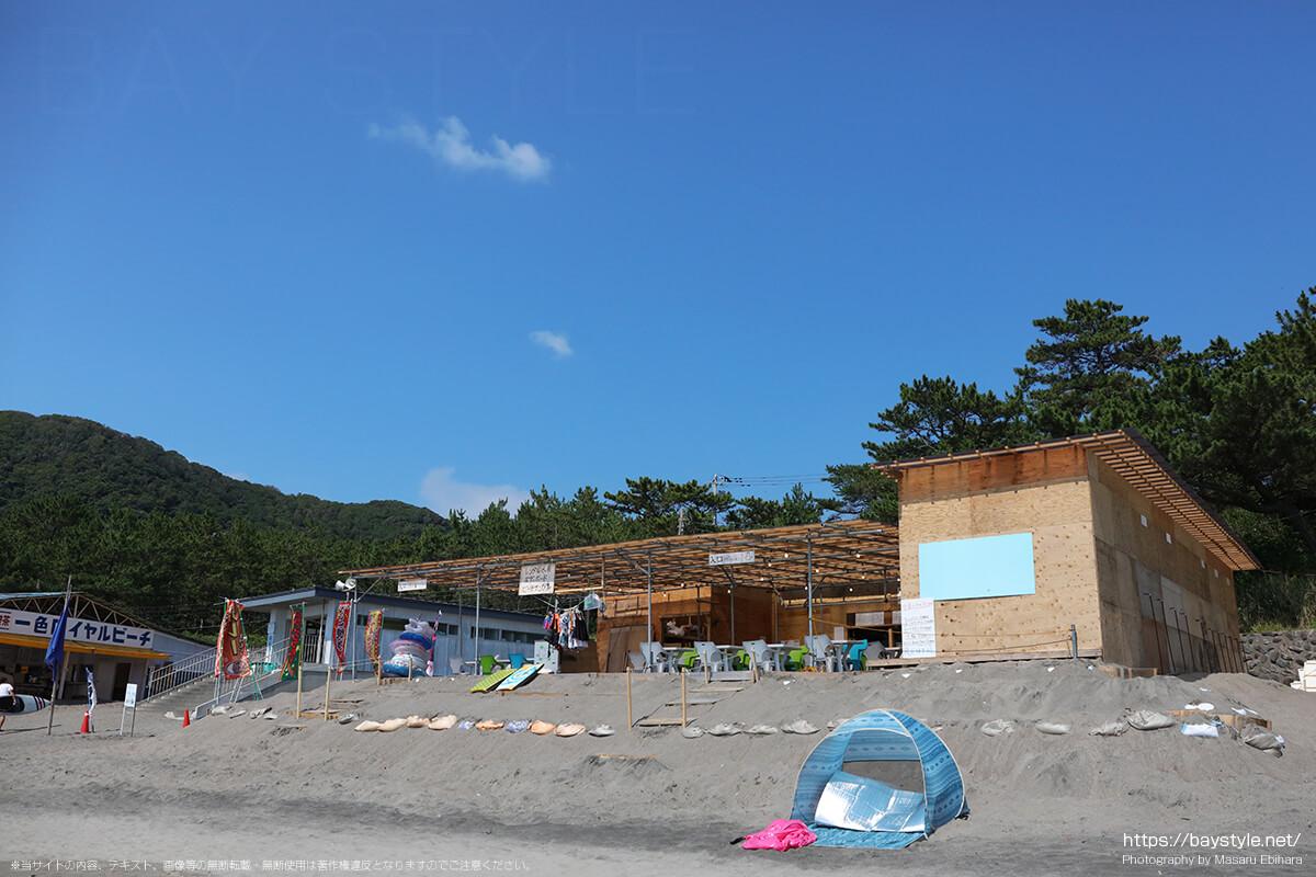 SEASIDE SURF RIDER(シーサイドサーフライダー)、葉山一色海水浴場の海の家