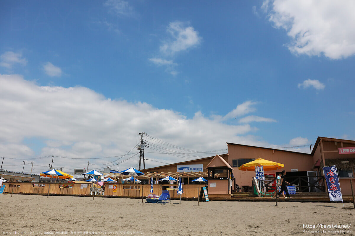 リクナビ BEACH CAFE at Quick Silver(リクナビビーチカフェクイックシルバー)、鎌倉由比ヶ浜海の家