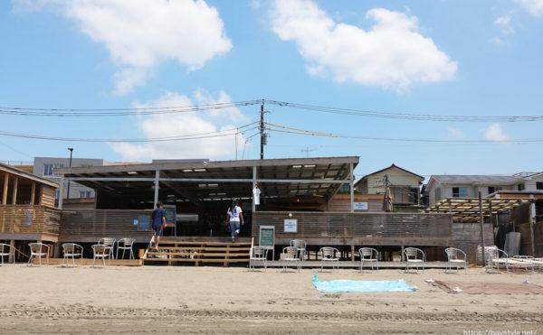 DAY DREAMER'S DECK(デイドリーマーズデッキ)、材木座海水浴場海の家