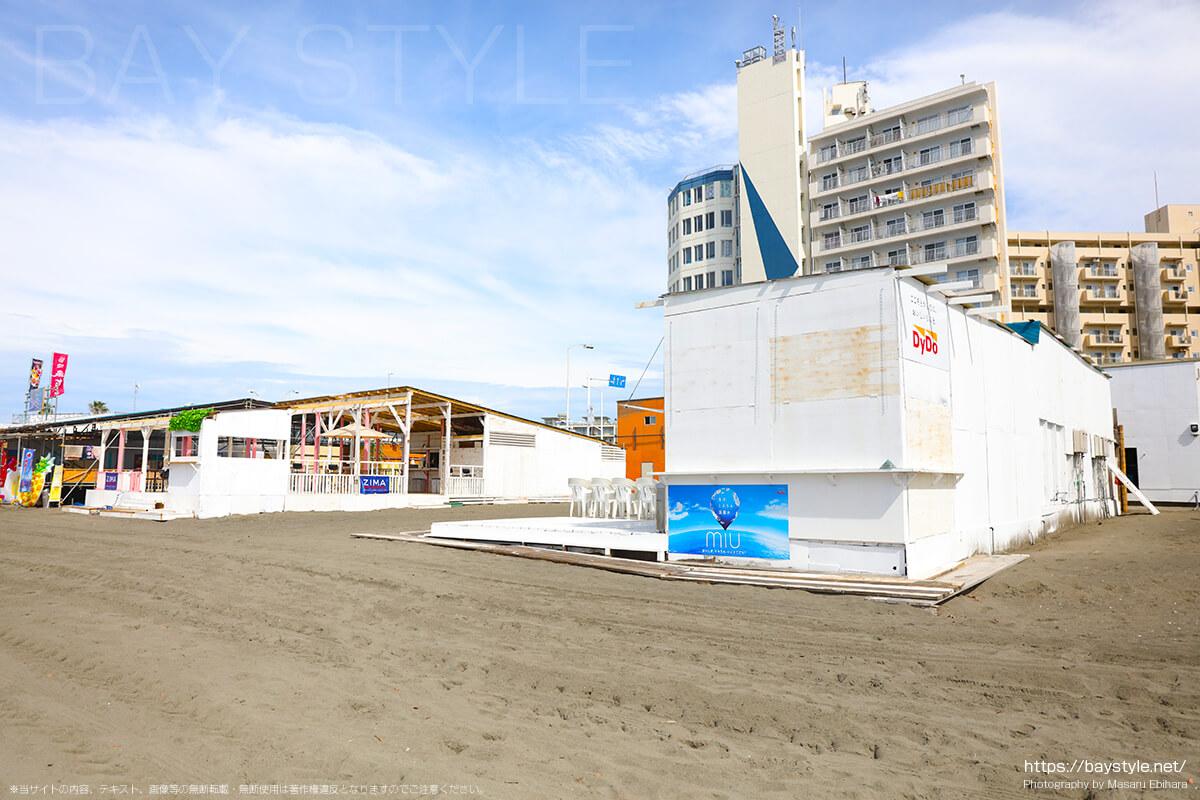 海の家、片瀬東浜海水浴場の海の家