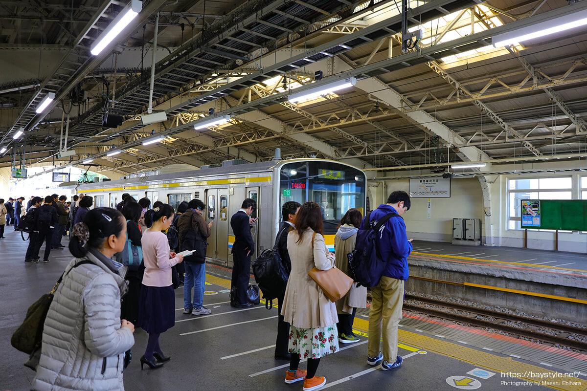 JR鶴見駅から海芝浦駅へと向う鶴見線