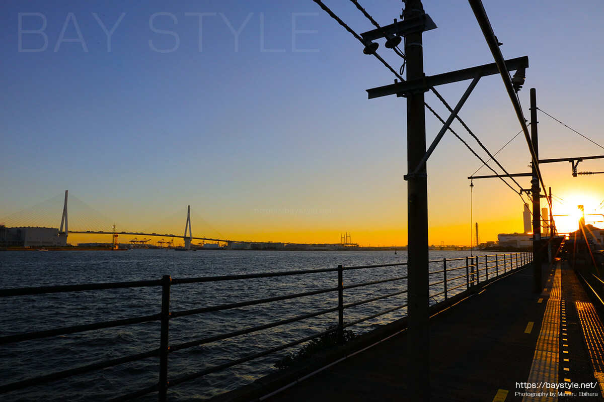 海芝浦駅の夕日