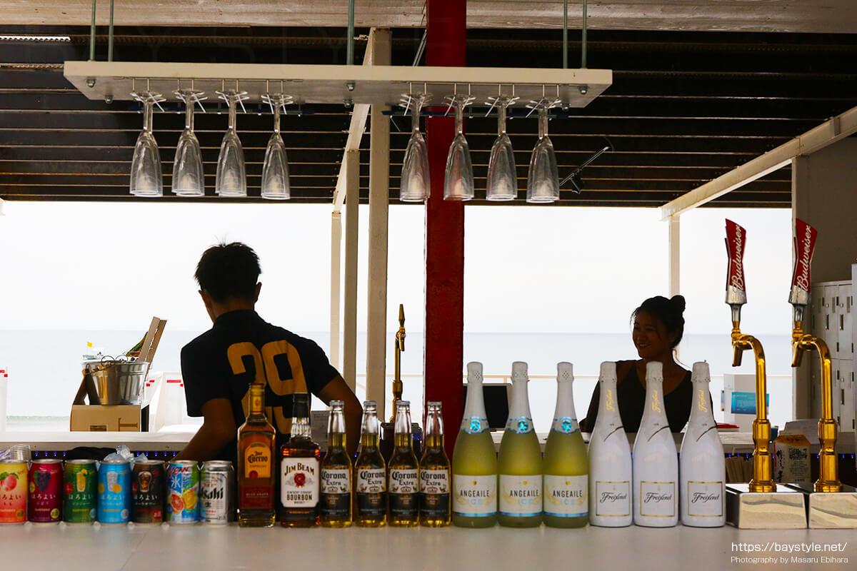 MALIBU BEACH(マリブビーチ)店内の様子
