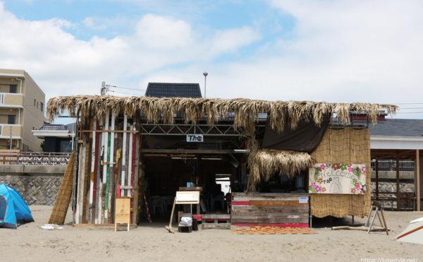 The(座)、逗子海水浴場の海の家