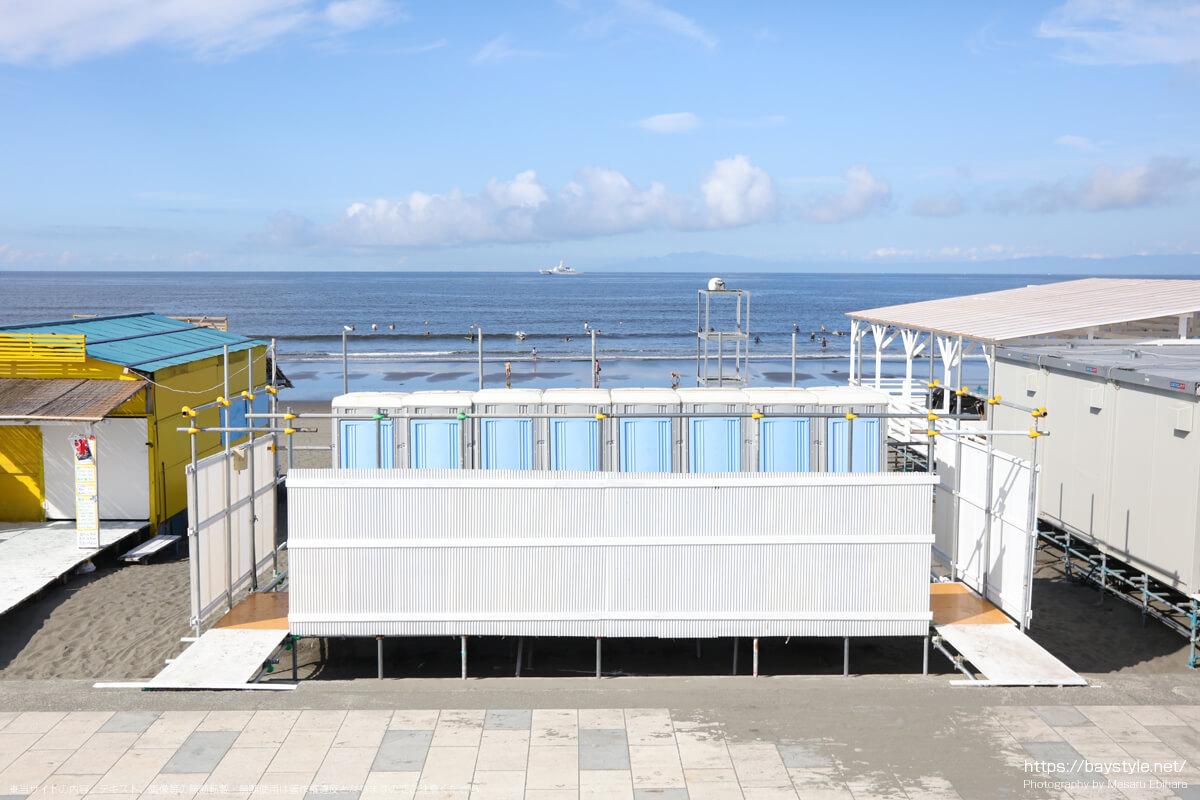 公衆トイレ(鵠沼海岸の海の家:2021年7月21日撮影)