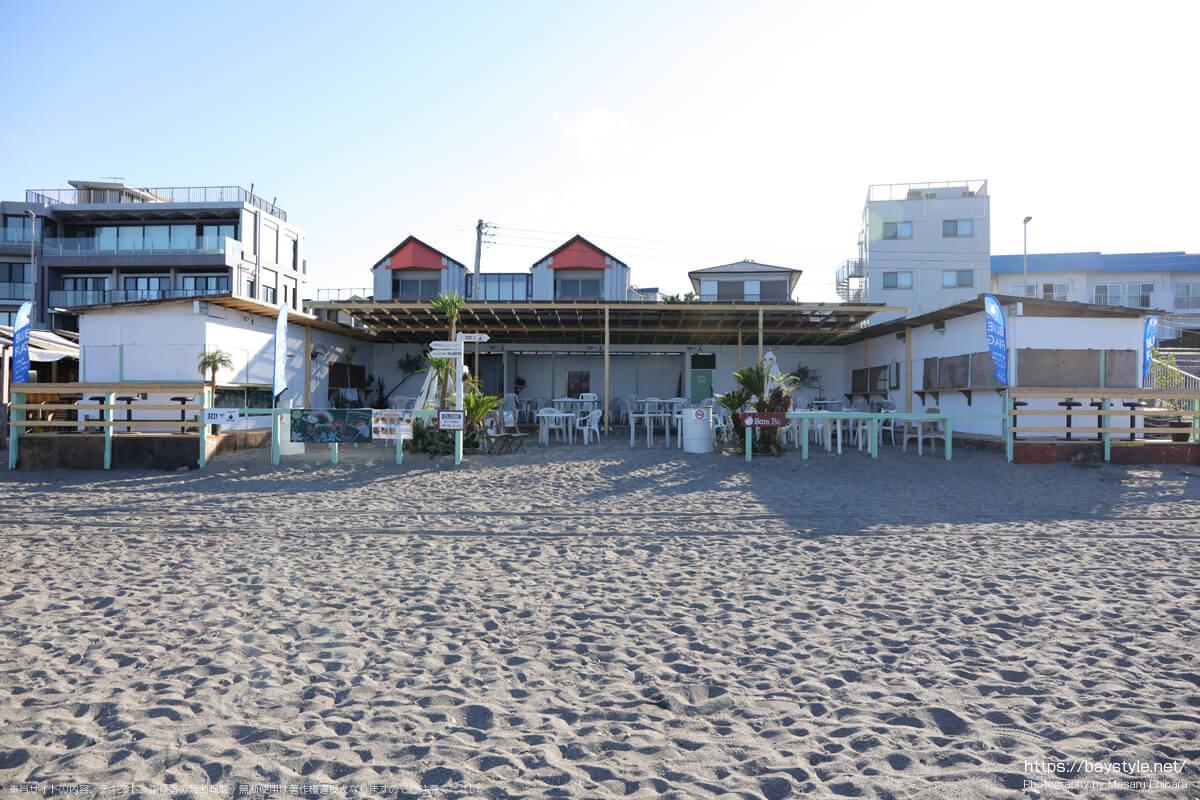 HI!、Bom Ba(ボンバ)(逗子海岸の海の家:2021年7月22日撮影)