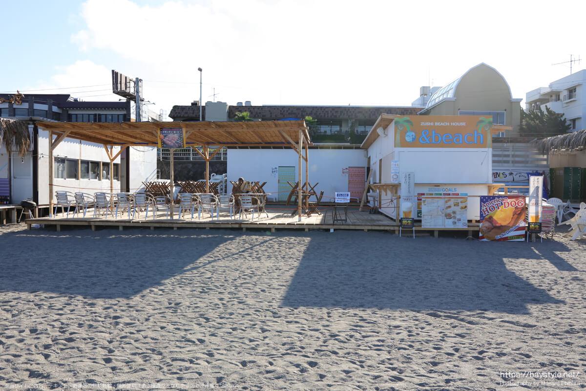 &beach(アンドビーチ)(逗子海岸の海の家:2021年7月22日撮影)