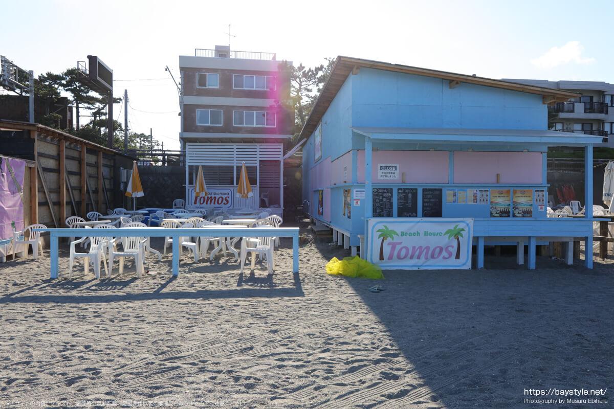 TOMOS(逗子海岸の海の家:2021年7月22日撮影)